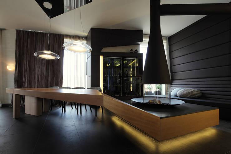 квартира на Станиславского: Столовые комнаты в . Автор – Disobject architects