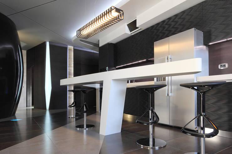 квартира на Масловке: Кухни в . Автор – Disobject architects