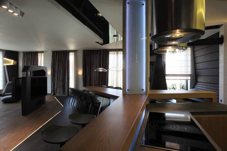 квартира на Станиславского: Кухни в . Автор – Disobject architects