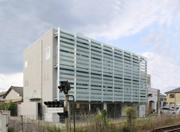 外観2: 白根博紀建築設計事務所が手掛けたオフィスビルです。