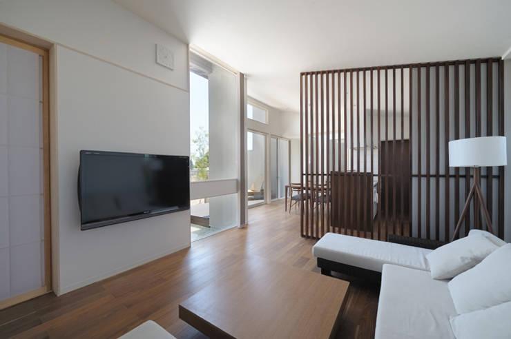 Ruang Keluarga oleh 矩須雅建築研究所, Modern