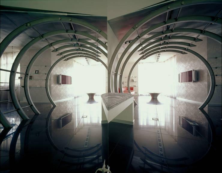 квартира на Авиационной: Коридор и прихожая в . Автор – Disobject architects
