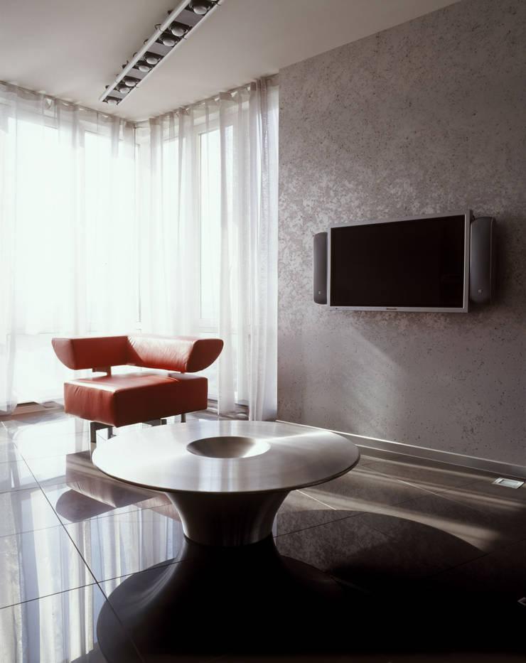 квартира на Авиационной: Гостиная в . Автор – Disobject architects