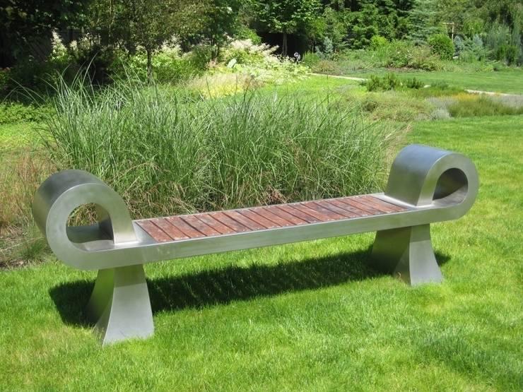 Ławka nowoczesna: styl , w kategorii  zaprojektowany przez Sungarden - Projektowanie i urządzanie ogrodów