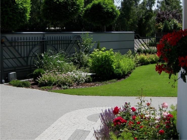 by Sungarden - Projektowanie i urządzanie ogrodów,