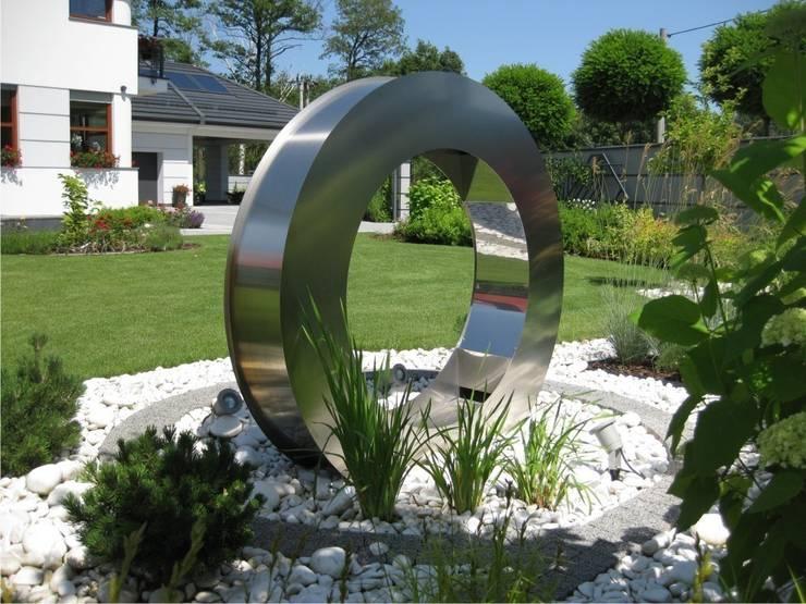 Fontanna: styl , w kategorii  zaprojektowany przez Sungarden - Projektowanie i urządzanie ogrodów