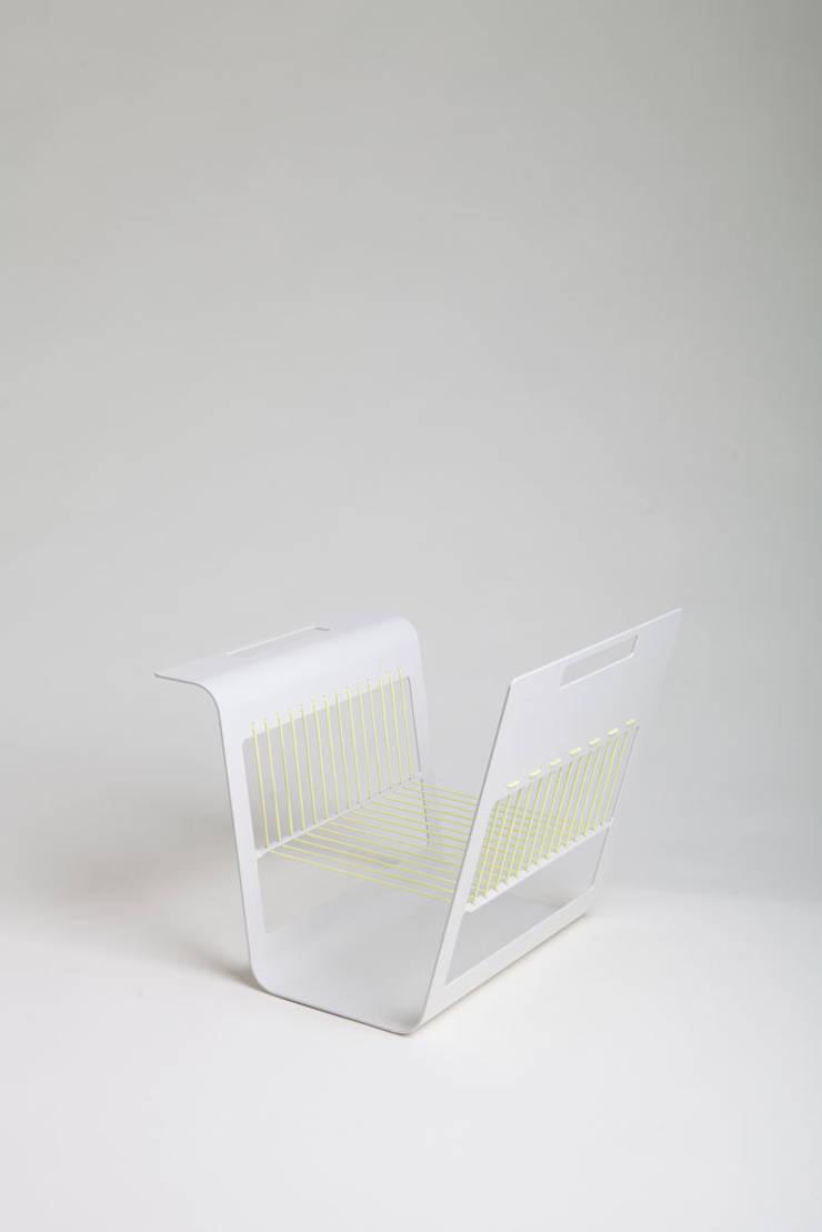 MagazineRek, lichtgeel: modern  door Tim van de Weerd, Modern