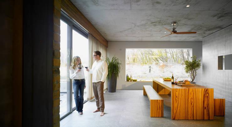 Loft mit Garten:  Wintergarten von Eilmann Architekturbüro