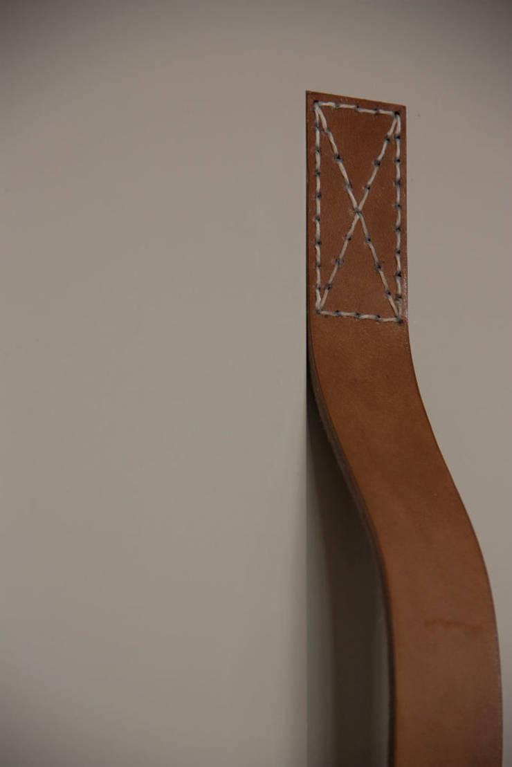Handvat, detail: modern  door Tim van de Weerd, Modern