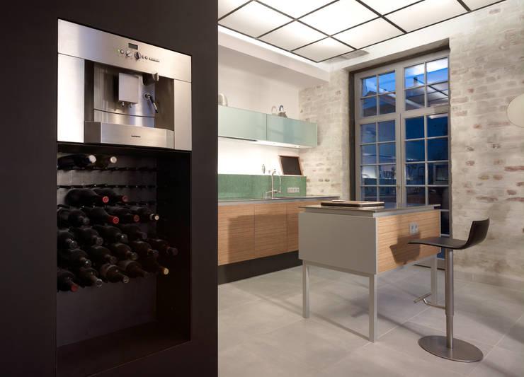 Loft mit Garten:  Küche von Eilmann Architekturbüro