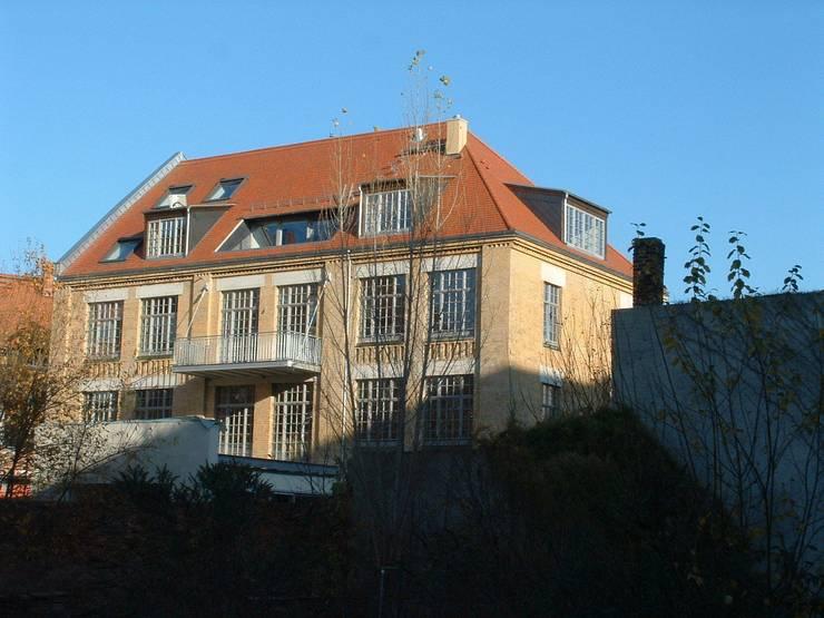 Loft mit Garten:   von Eilmann Architekturbüro