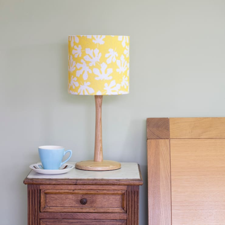 Fig Leaves lampshade:  Living room by Rosa & Clara Designs