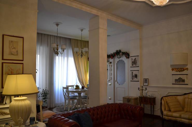 il soggiorno: Sala da pranzo in stile  di arch. Paolo Pambianchi