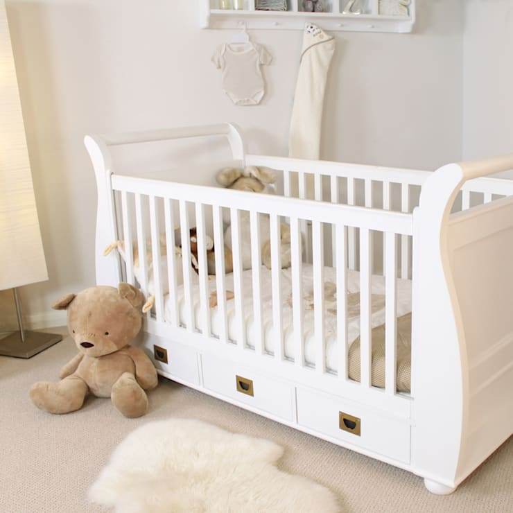 Nutkin Cot-Bed with Three Drawers:  Nursery/kid's room by Harley & Lola