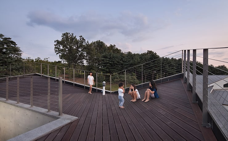 Roof as Playground: D-Werker Architects의