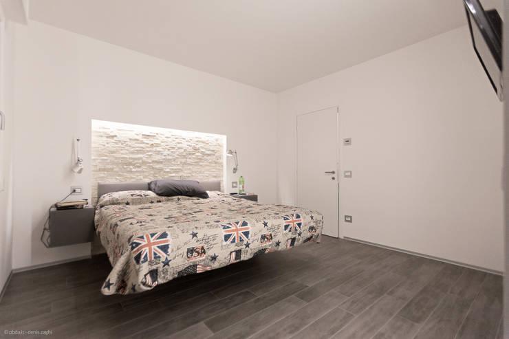 private house 13003: Camera da letto in stile in stile Moderno di piccola bottega di architettura