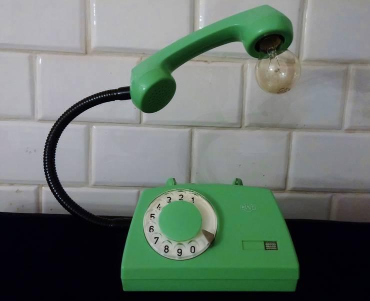 teleLAMPAfon - AsteR 81': styl , w kategorii Salon zaprojektowany przez RefreszDizajn