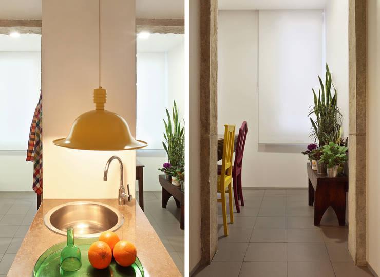 Cocinas de estilo ecléctico de Tiago Patricio Rodrigues, Arquitectura e Interiores