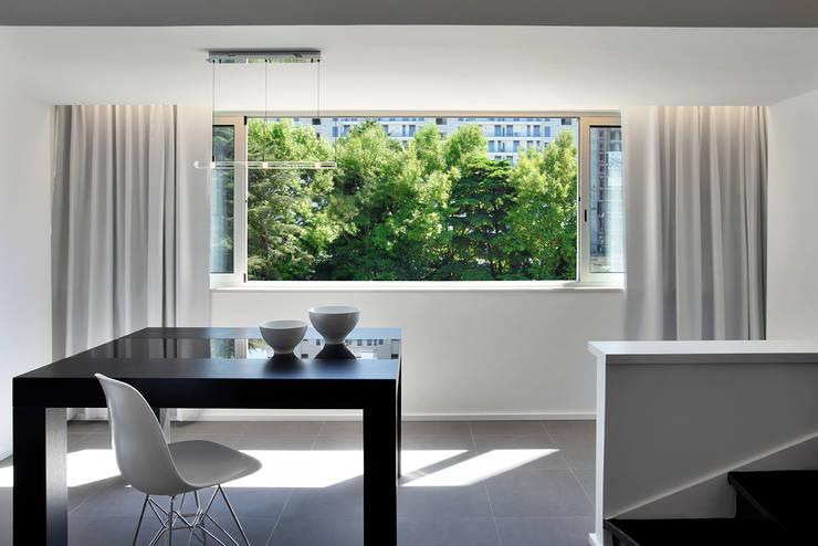 Duplex Olivais _ Reabilitação Arquitetura: Salas de jantar  por Tiago Patricio Rodrigues, Arquitectura e Interiores
