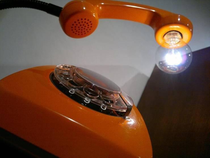 teleLAMPAfon - eReFeN 77': styl , w kategorii  zaprojektowany przez RefreszDizajn,Nowoczesny