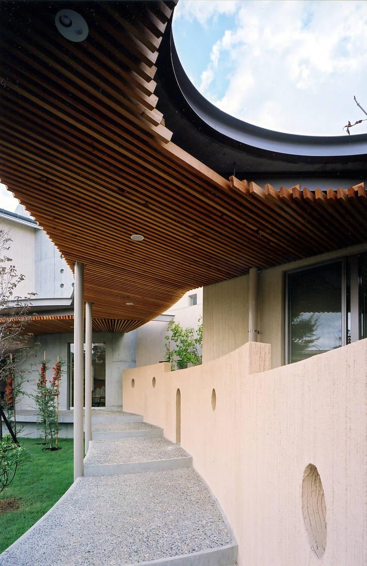 雁木のある家: たわら空間設計㈲が手掛けた家です。,