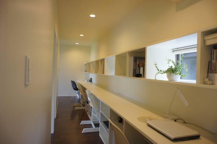 田園の中の家: たわら空間設計㈲が手掛けた和室です。