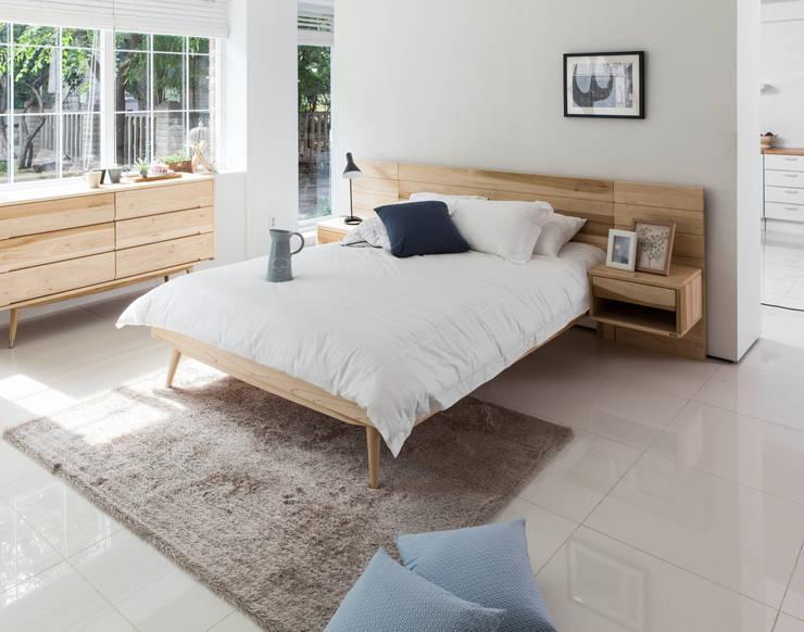 scandinavian Bedroom by 시더스디자인그룹