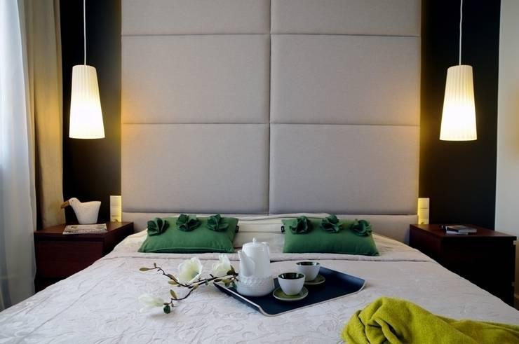 Apartament pokazowy Invest Komfort 2010: styl , w kategorii Sypialnia zaprojektowany przez formativ. indywidualne projekty wnętrz