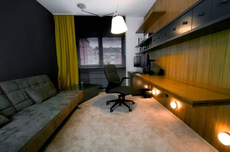 Apartament w Gdynia 2011: styl , w kategorii Domowe biuro i gabinet zaprojektowany przez formativ. indywidualne projekty wnętrz