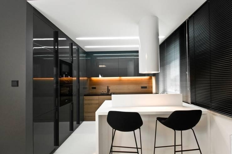 Apartament w Gdynia 2011: styl , w kategorii Kuchnia zaprojektowany przez formativ. indywidualne projekty wnętrz