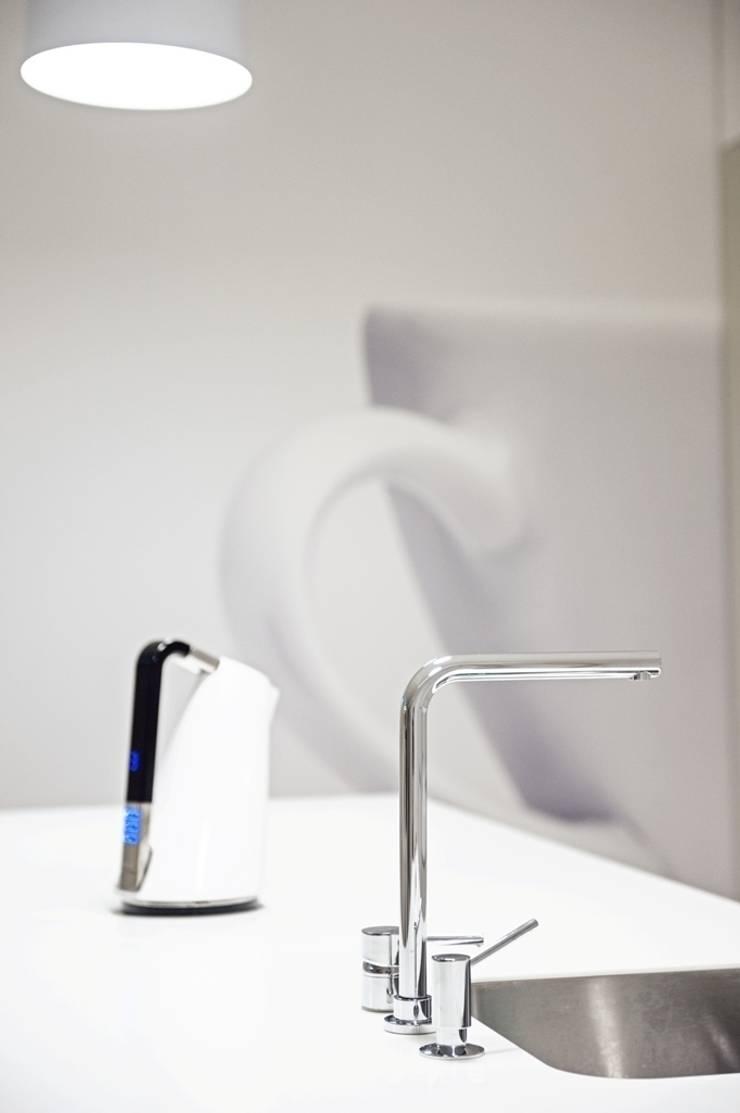 Dom prywatny 2012: styl , w kategorii Kuchnia zaprojektowany przez formativ. indywidualne projekty wnętrz