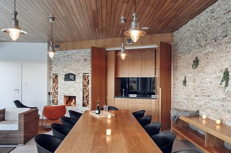 Domek biesiadny 2012: styl , w kategorii Jadalnia zaprojektowany przez formativ. indywidualne projekty wnętrz
