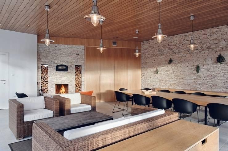 Domek biesiadny 2012: styl , w kategorii Salon zaprojektowany przez formativ. indywidualne projekty wnętrz