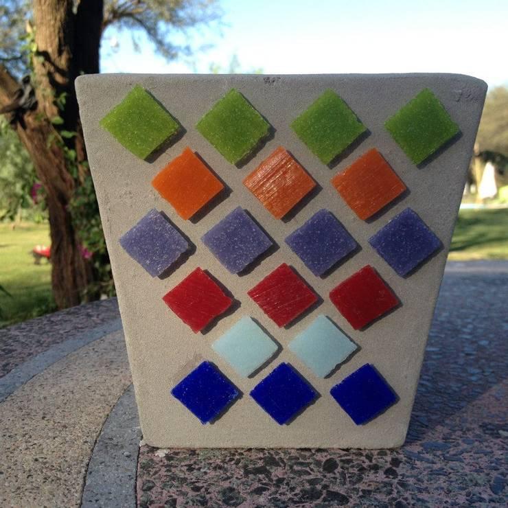Maceta de cemento 13x18 cm: Jardines de estilo  por ArteSana