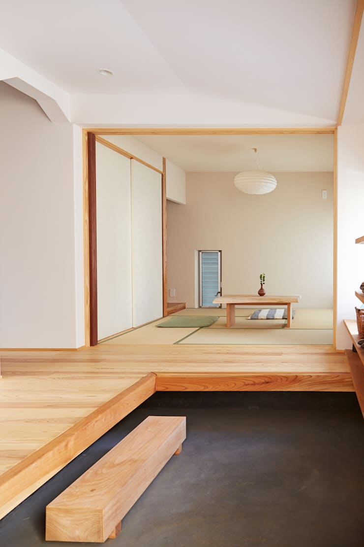 土間2: 一級建築士事務所co-designstudioが手掛けた和室です。