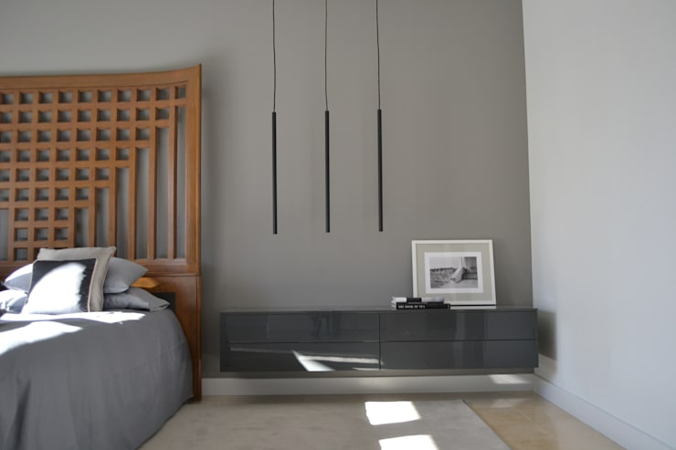 Rick & Garland's House   LAS VEGAS 1.0: Camera da letto in stile  di Interni 44 di Silvia Camerotto
