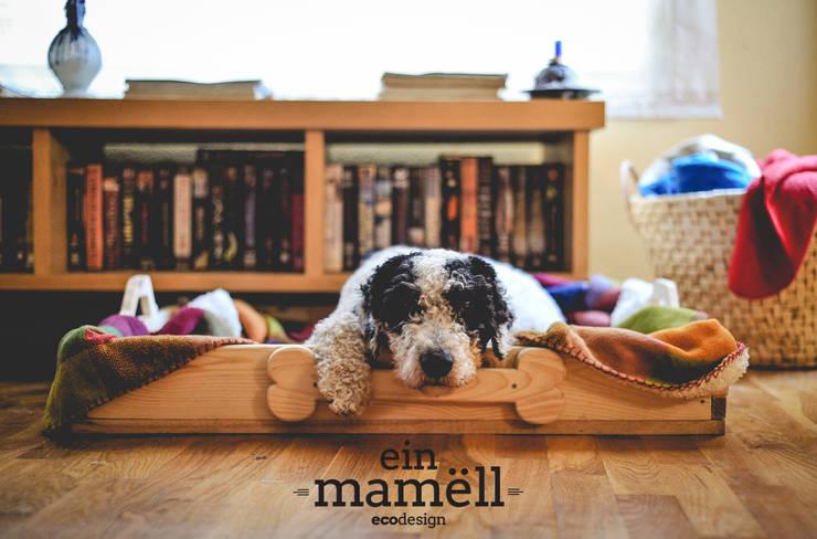 Cama para mascotas : Hogar de estilo  de Ein Mamëll
