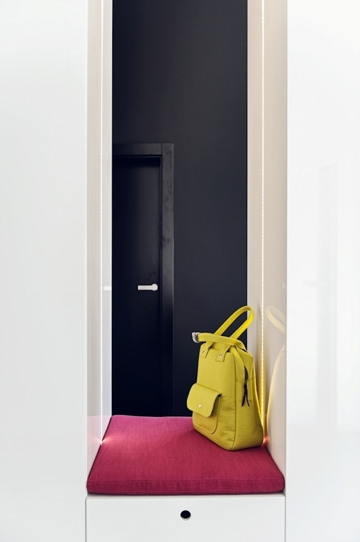Apartament w Gdańsku 2012: styl , w kategorii Korytarz, przedpokój zaprojektowany przez formativ. indywidualne projekty wnętrz,