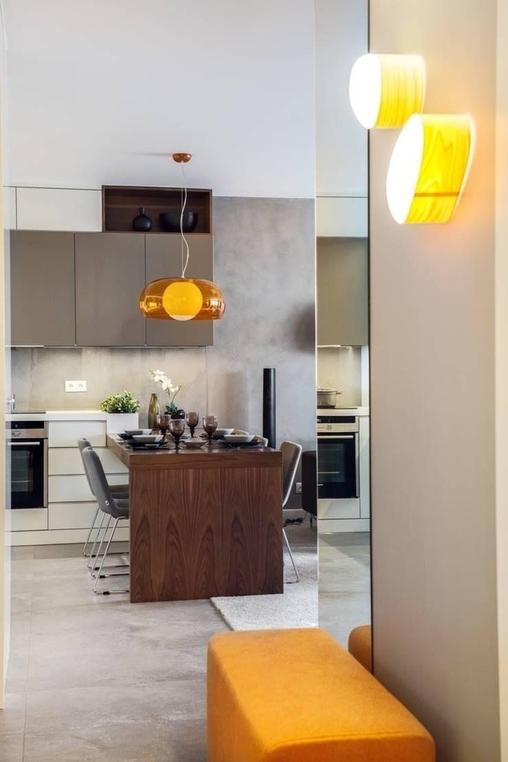 Mieszkanie w Gdyni 2013: styl , w kategorii Jadalnia zaprojektowany przez formativ. indywidualne projekty wnętrz