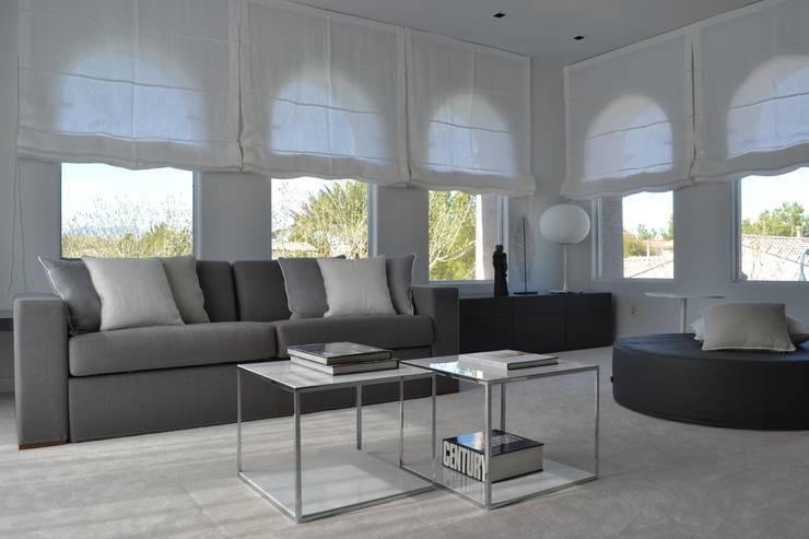 Estudios y oficinas de estilo  por Interni 44 di Silvia Camerotto