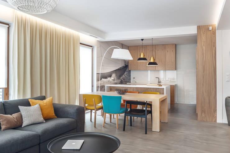 Dom w Gdyni 2015: styl , w kategorii Jadalnia zaprojektowany przez formativ. indywidualne projekty wnętrz,
