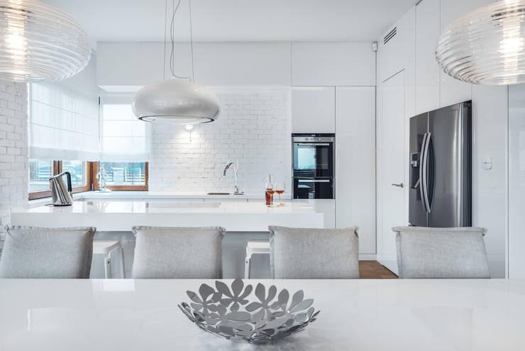 Dom w Gdańsku 2014: styl , w kategorii Kuchnia zaprojektowany przez formativ. indywidualne projekty wnętrz