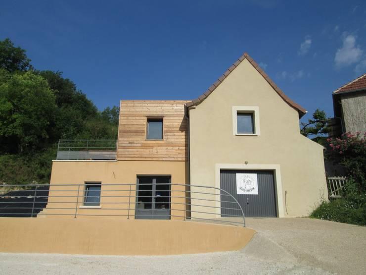 Façades Est: Maisons de style de style Moderne par LIARSOU et CONSTANT architectes DPLG