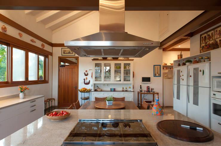 Kitchen by PM Arquitetura