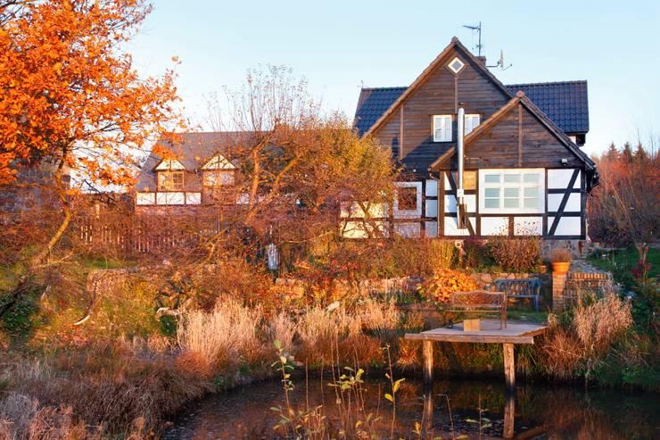 Wiejska chata: styl , w kategorii Domy zaprojektowany przez Studio Projektowe RoRO interior + design