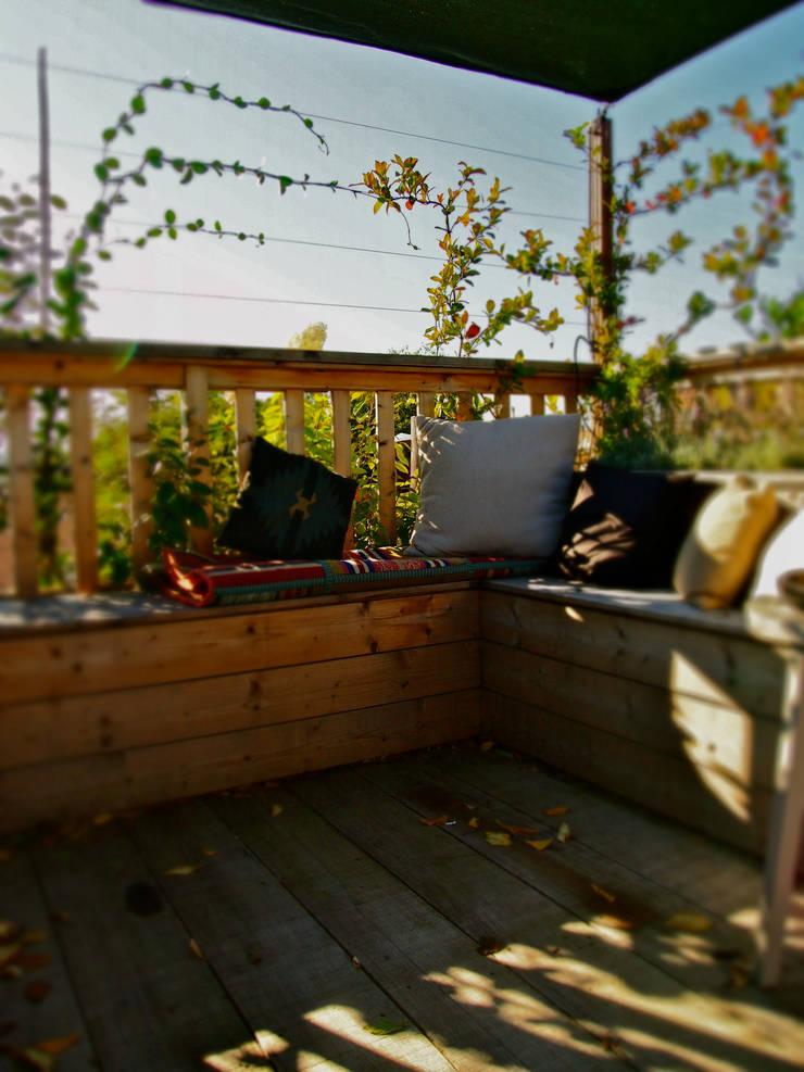 Amsteldijk:  Tuin door De Dakdokters