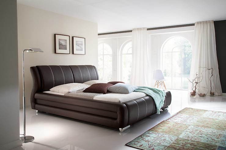 Łóżko tapicerowane DERBY: styl , w kategorii Sypialnia zaprojektowany przez mebel4u,Klasyczny