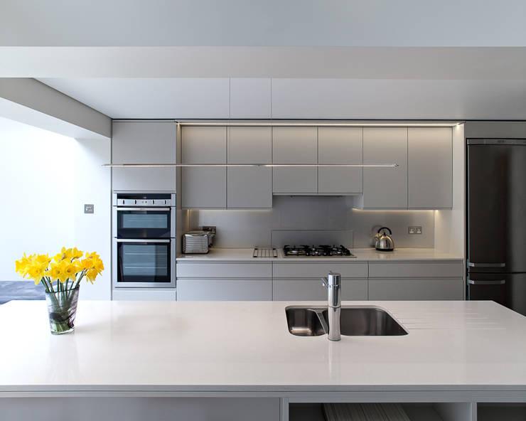 Highbury Town House: modern Kitchen by APE Architecture & Design Ltd.