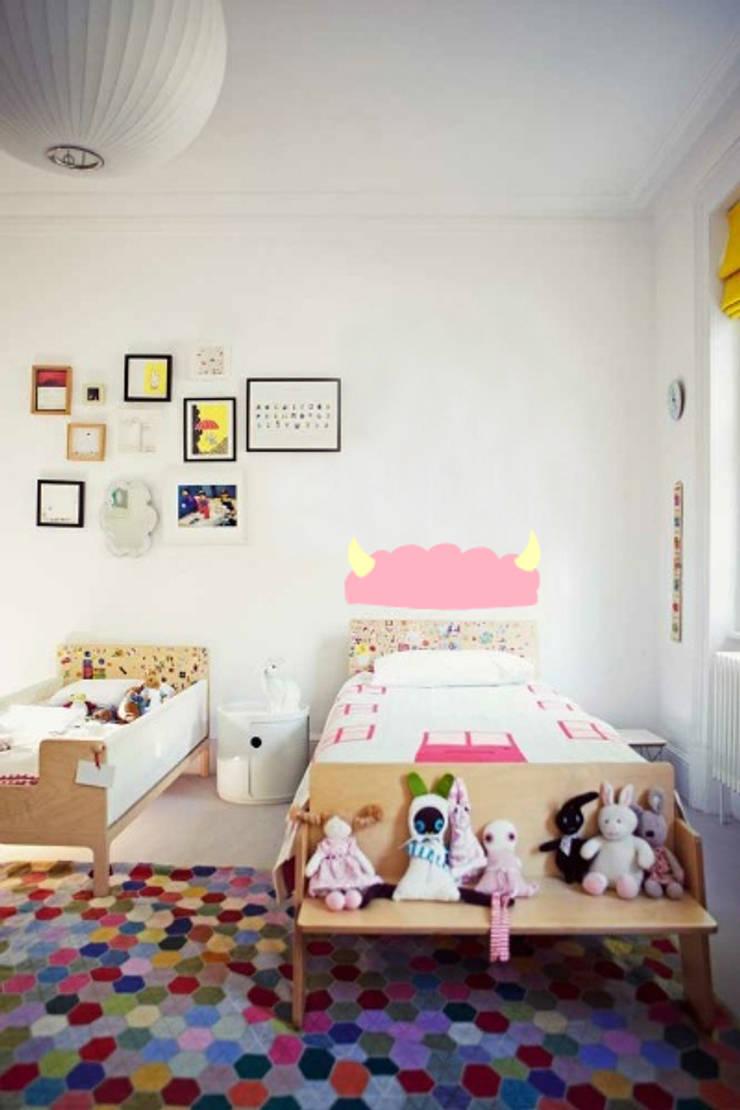 """Vinilo """" Anitram"""": Habitaciones infantiles de estilo  de Lyona"""