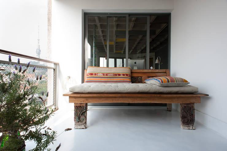 Terrazas de estilo  por PM Arquitetura